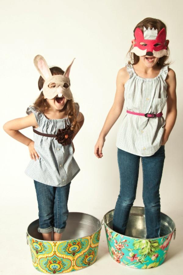 Schöne-Tiermasken-mit-Kindern-basteln-fröhlich