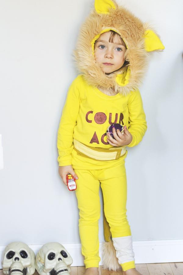 Schöne Tiermasken mit Kindern basteln gelb löwe