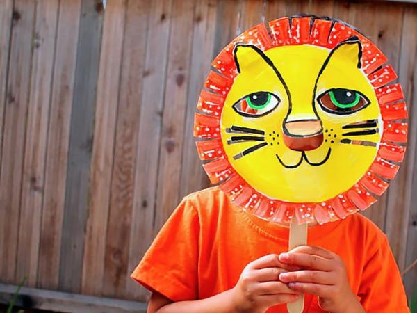 Schöne Tiermasken mit Kindern basteln löwe pappe
