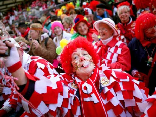 Wann ist Weiberfastnacht Karneval 2015 kostüm