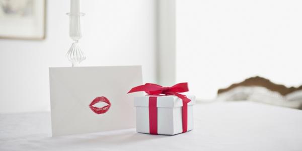 Woher Kommt Der Valentinstag Geschenk Liebesbrief