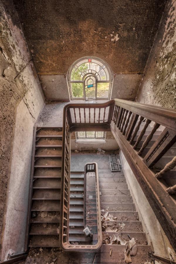 alte treppen holz geländer