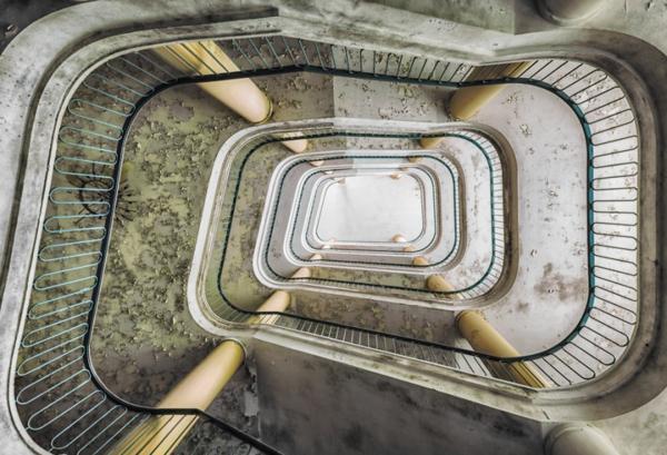 alte treppen eine fotografische faszination. Black Bedroom Furniture Sets. Home Design Ideas
