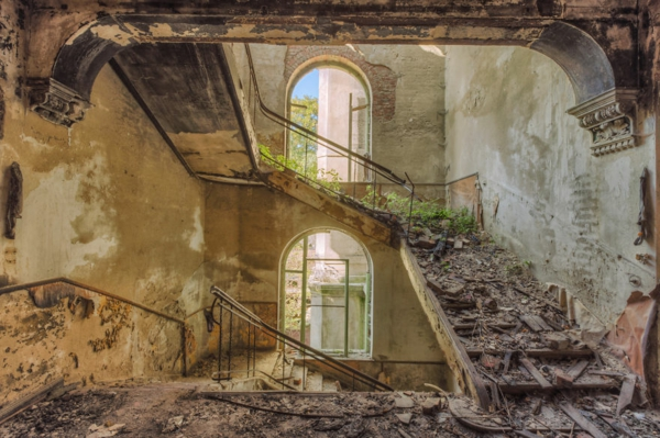 alte treppen zerbrochen holztreppen