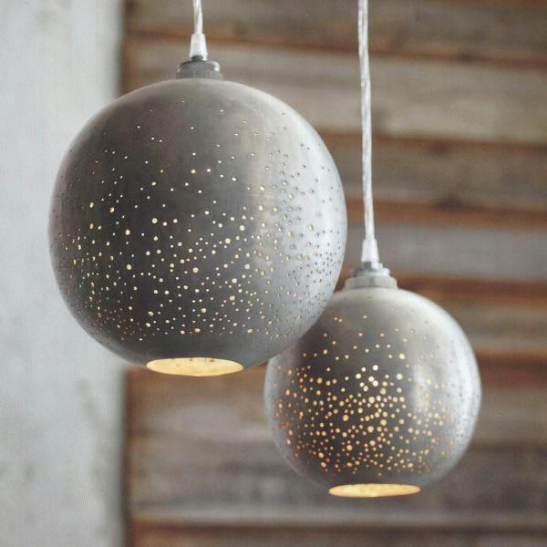 ausgelassene hängelampen kugel design schöne wohnideen