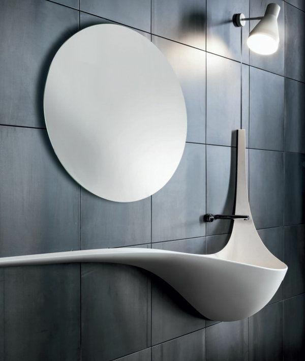 runder badspiegel ausgelassenes waschbecken runder badspiegel badfliesen dunkelgrau