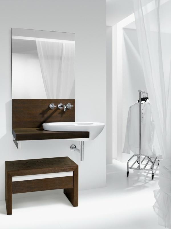 badezimmer einrichten weißes waschbecken badspiegel hocker