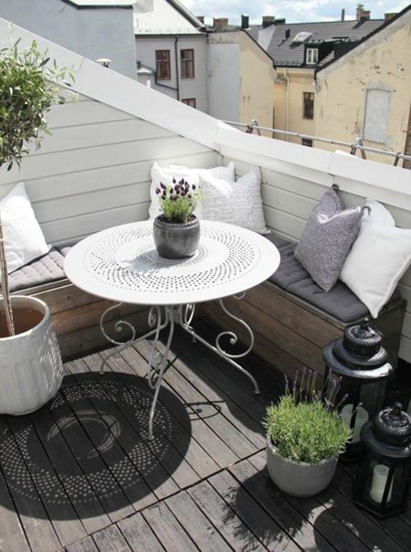 Balkonbepflanzung  pflegeleichte Balkonpflanzen