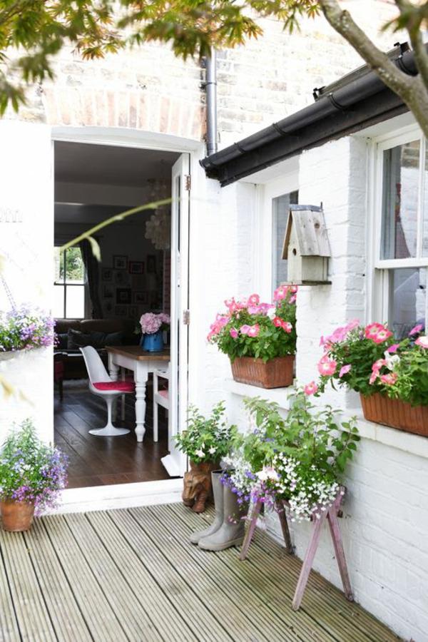 balkonbepflanzung pflegeleichte balkonpflanzen. Black Bedroom Furniture Sets. Home Design Ideas