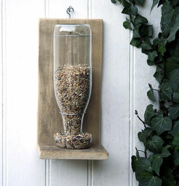 bauanleitung Futterhäuschen für Vögel flasche plastisch
