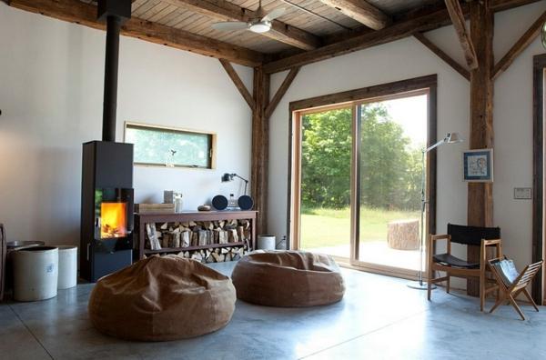 brennholz richtig lagern kaminofen sitzsäcke