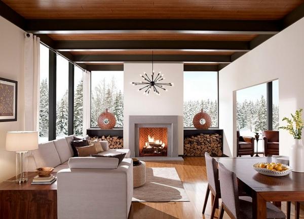 brennholz lagern symmetrisch weißes sofa