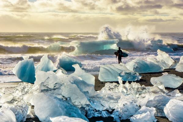 chris burkard fotografie tolle kunst eis surfer