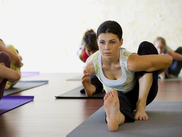 entspannungstechniken yoga kurs besuchen