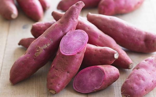 exotische früchte rote süßkartoffeln