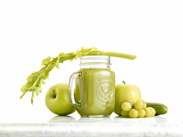 fastenkur kräuter äpfel trauben gurke
