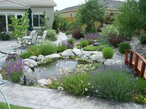 Gartengestaltung beispiele praktische tipps und frische for Garten gestalten mit teich