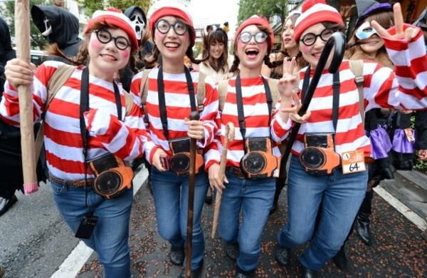 gruppenkostüme-für-fasching-karnevalskostüme-wolly