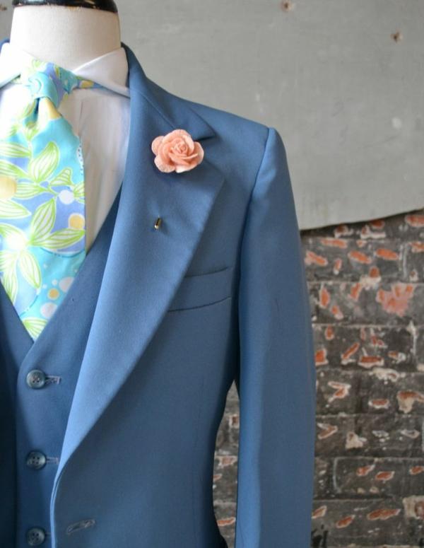 hochzeitsanzug herren blau krawatte blumenmuster anzug bräutigam