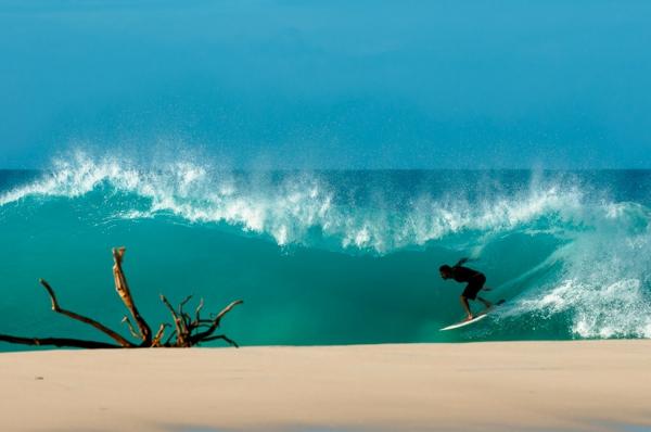 kunst inszenierte fotografie surfer meer