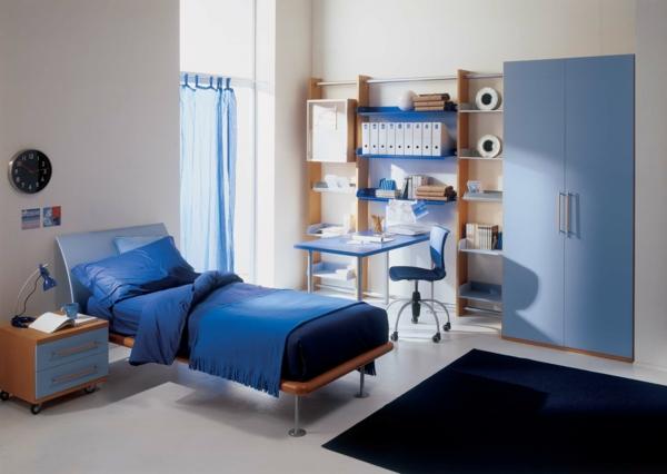 jugendzimmermöbel blauer kleiderschrank dunkler teppich