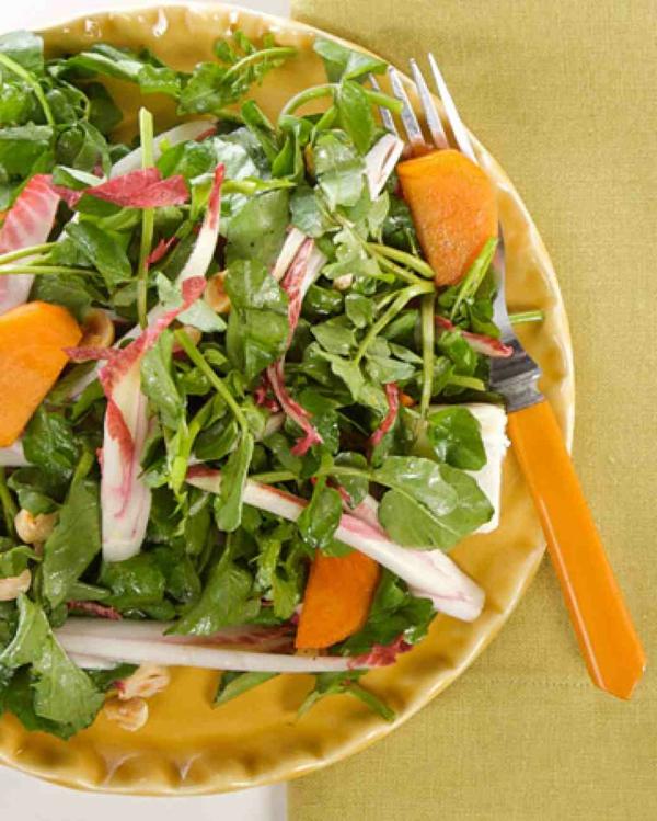 kalorienarmes essen persimone salat rukola haselnüsse