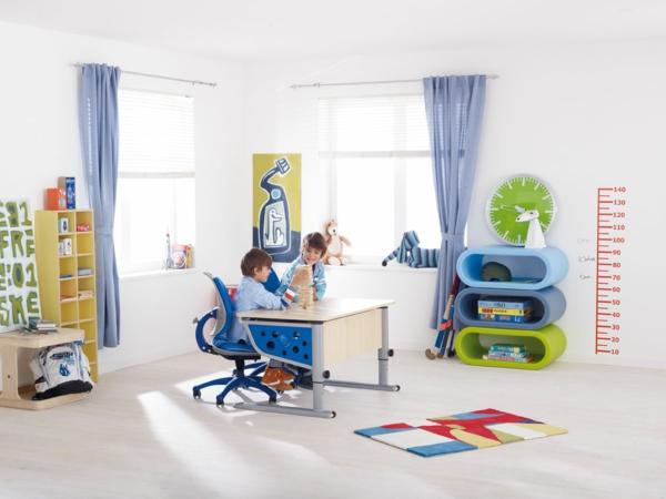 Kinderzimmer Möbel - gesunde Lernmöbel helfen bei den Hausaufgaben