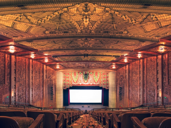 filmtheater weltweit modern kunst  muster golden