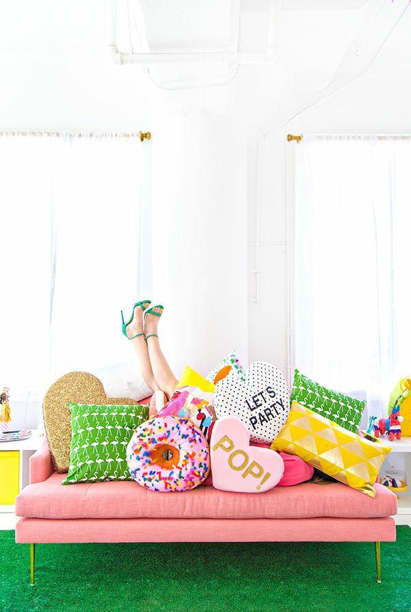 sch ne kissen selbst gestalten kissenbez ge dekorieren. Black Bedroom Furniture Sets. Home Design Ideas