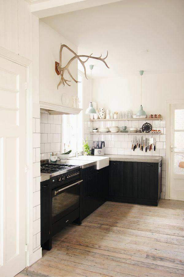 kleine küche einrichten rustikal gestalten bodenbelag