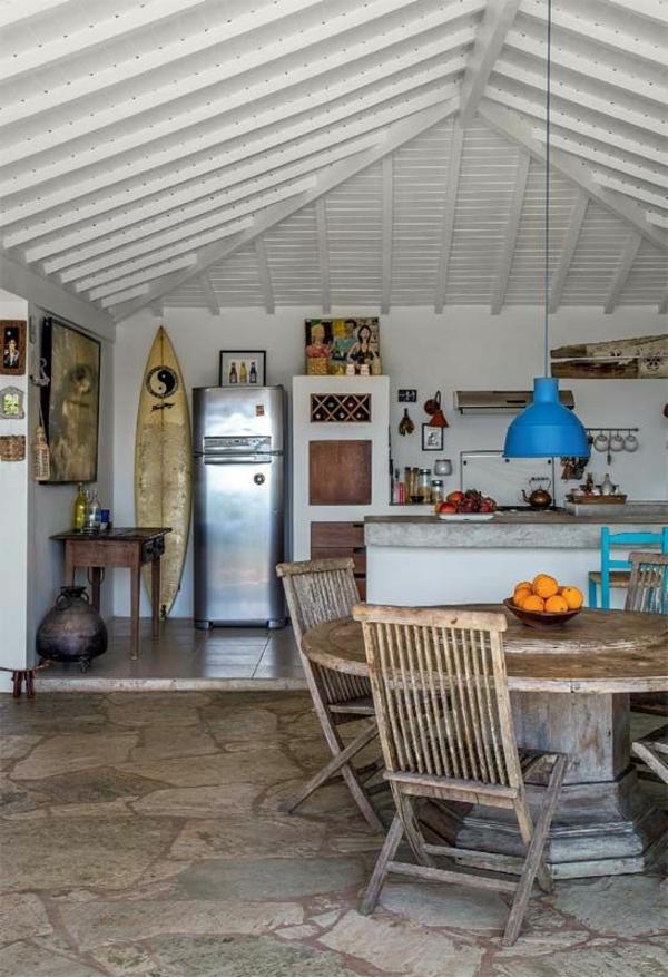 kleine küche einrichten rustikal gestalten dach