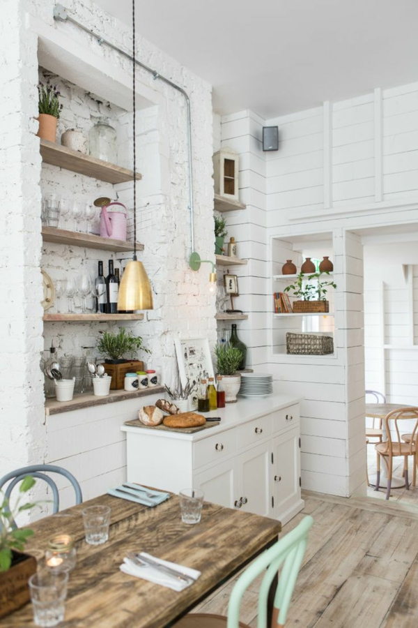 kleine küche einrichten rustikal gestalten regale offen