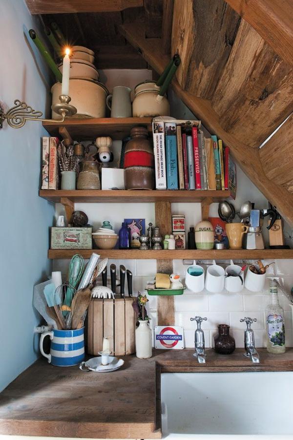 kleine küche rustikal gestalten regale