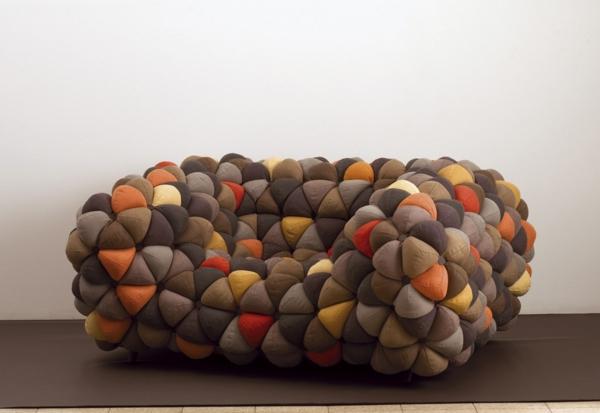 kleines modernes sofa bälle bunt