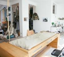 Designer Schreibtisch und Bett in einer Struktur