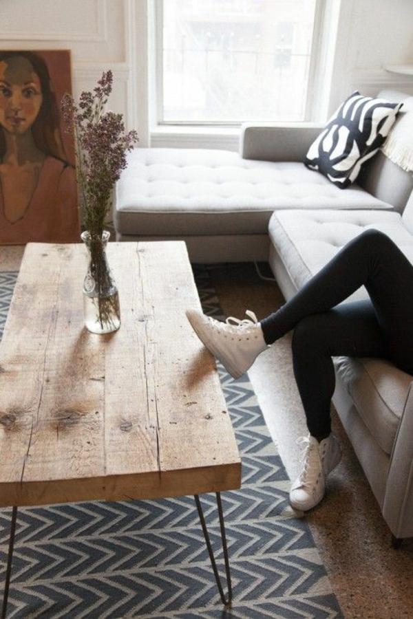 moderne hausfrau zuhause einrichtungsideen wohnzimmer tisch
