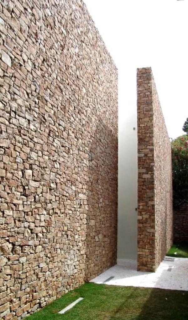 natursteinmauern im garten hoch design