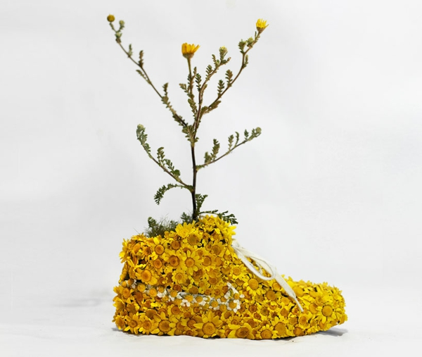 nike sneakers aus gelben margareten christophe guinet wood projekt