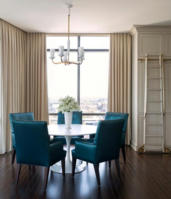 modernes penthaus wohnung modern blau hell esstisch rund