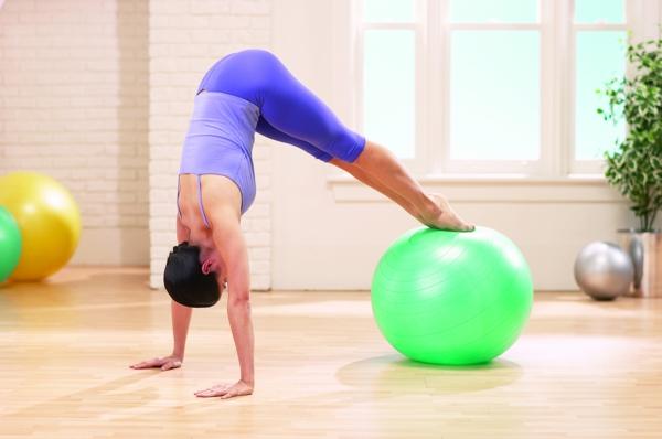 pilates Kalorien verbrauch beim Sport gymnastikball übungen fortgeschrittene