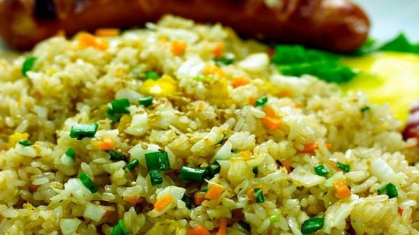 reisgerichte mit gemüse risotto frühlingszwiebeln