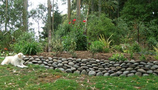 Natursteinmauer im garten oder zu hause - Wall im garten anlegen ...