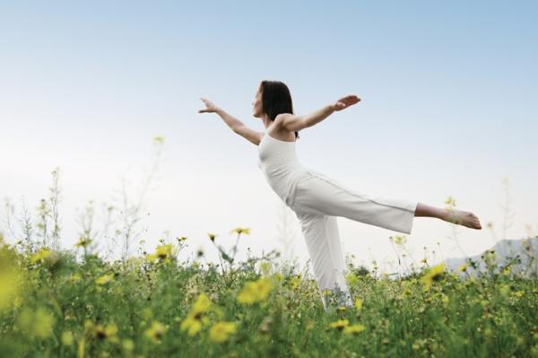 stress abbauen übungen natur wiese