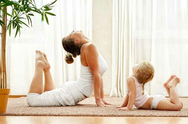 stress abbauen familie yoga