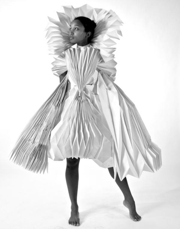Karneval Kostüm ideen aus Papier Tara Keens designer