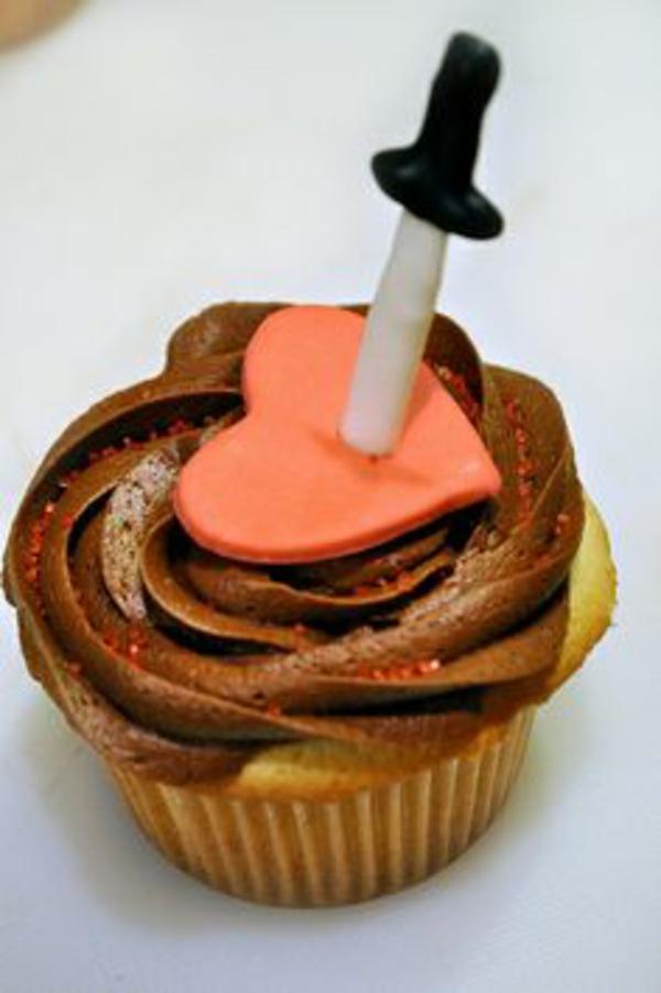 valentinstag torten cupcakes herzen schokoladen muffin