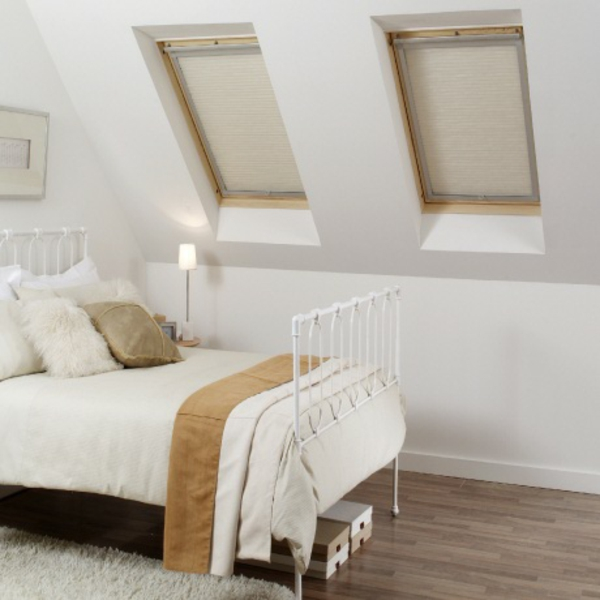 g nstige velux rollos verdunkelungsrollo f r velux. Black Bedroom Furniture Sets. Home Design Ideas