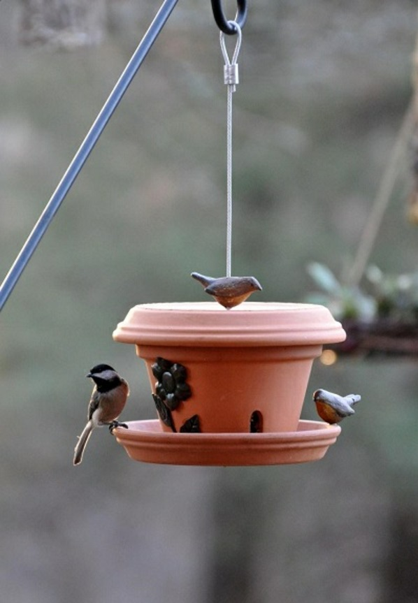 Selbergemachtes Häuschen für Vogel füttern