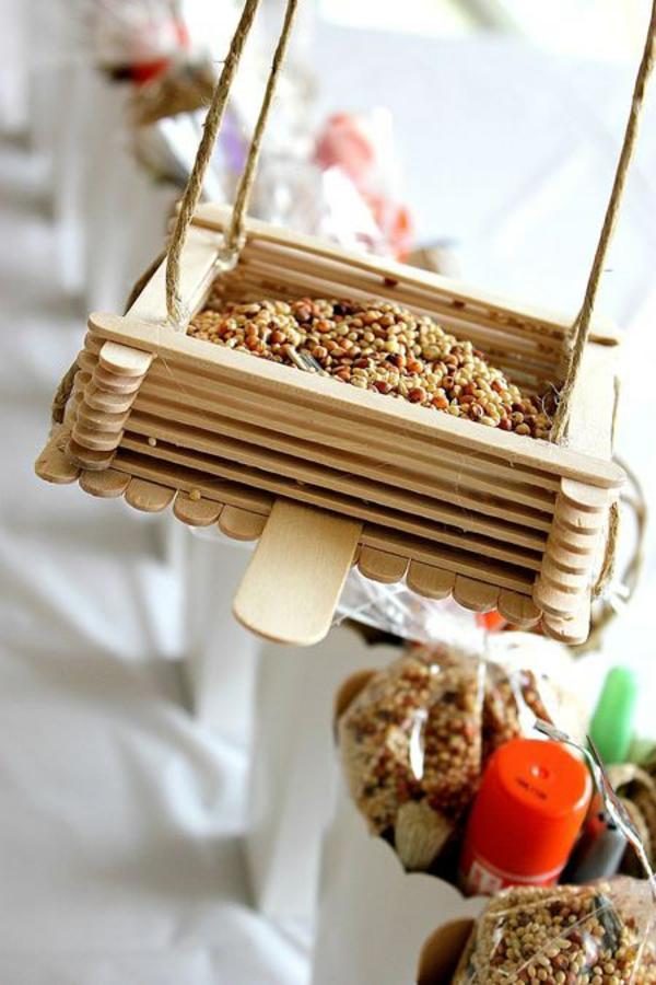 vogelhäuschen bauen holz saatgut