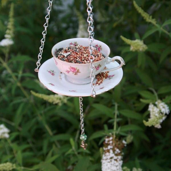 Futterhäuschen für Vögel bauen keramisch blumenmuster